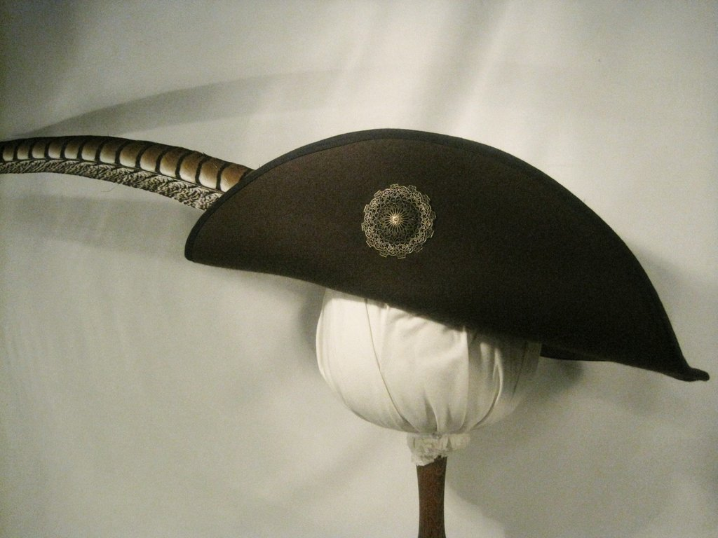 Musketeer hat with Metalbrooch 54-64cm 15 colors