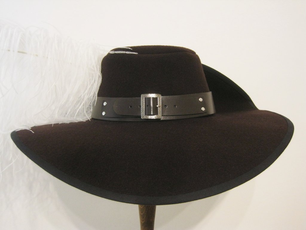 Musketeer hat with belt 54-64cm 15 colors