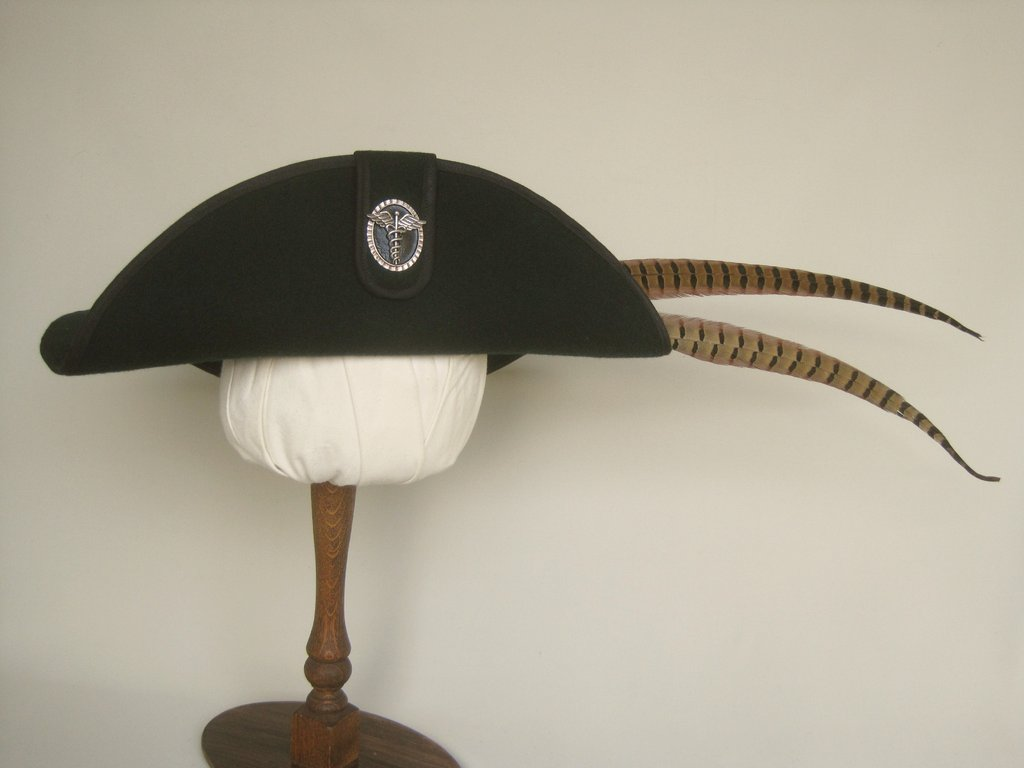 Musketeer hat aesculap symbol 54-64cm 15 colors