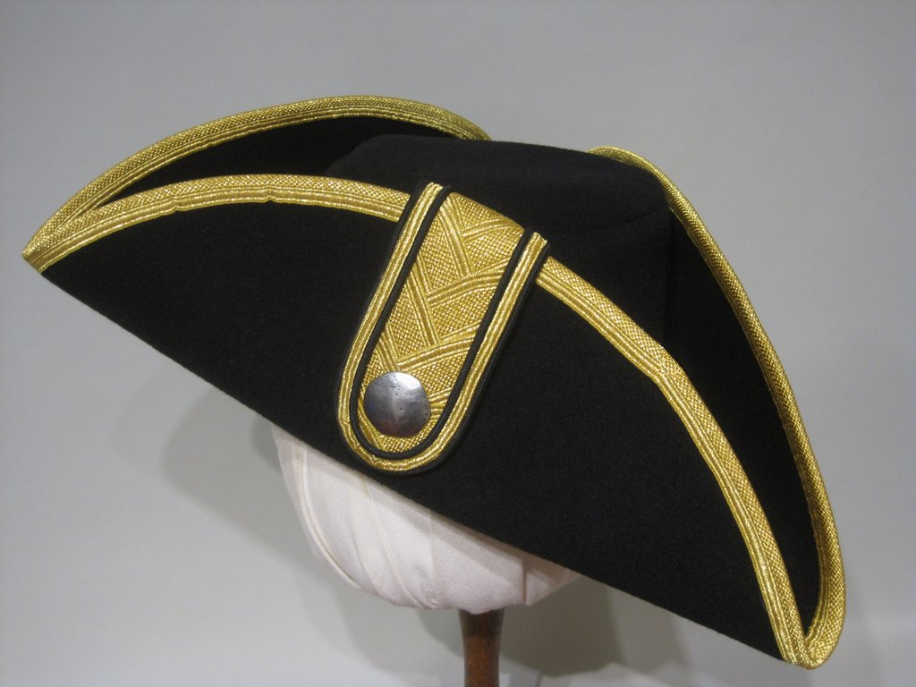 Tricorn with golden Tresse and clap 54-64cm 15 colors