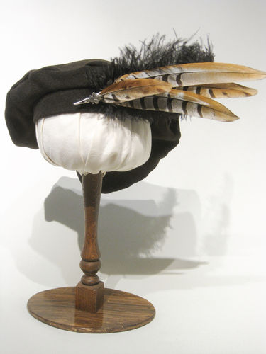 Beret with pheasant feathers 54-64cm 15 colors