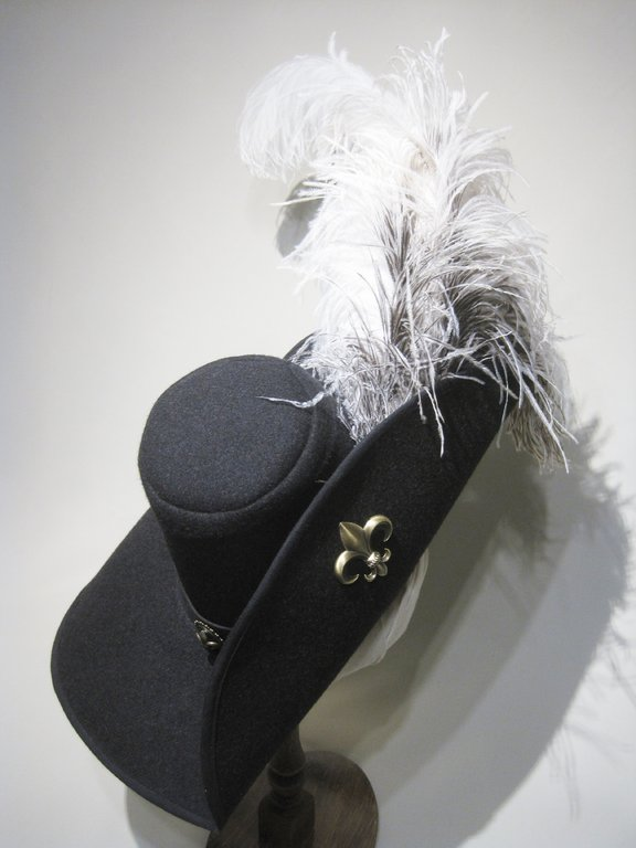 Musketeer hat with huge feather decoration 54-64cm 15 colors