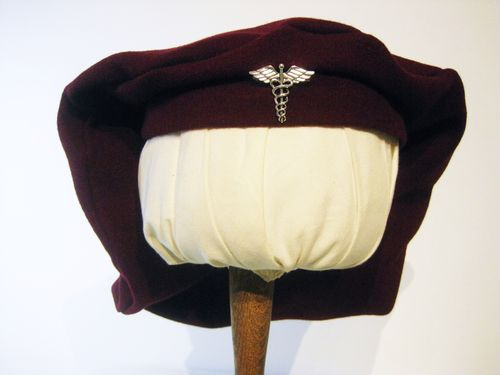 Beret with silvery brooch 54-64cm 15 colors
