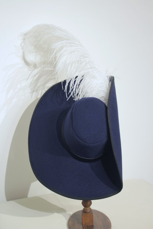 Simple musketeer hat with feather 54-64cm 15 colors
