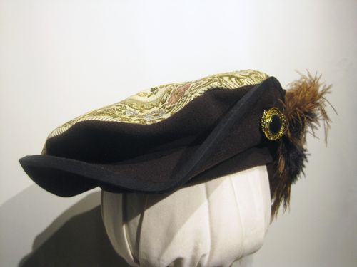 Limited edition beret with brocade 54-64cm
